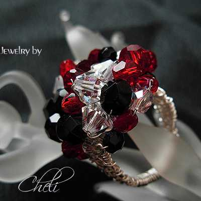 images/black and clear swarovski crystals cluster ring.jpg